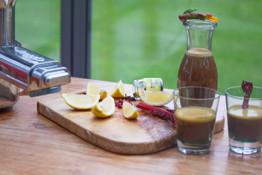 Saft Granatapfel Mangold